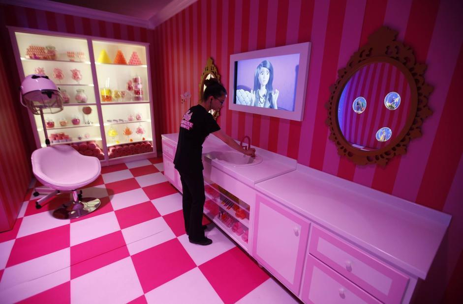 Inaugura a berlino la casa di barbie for Immagini di casa dei sogni gratis