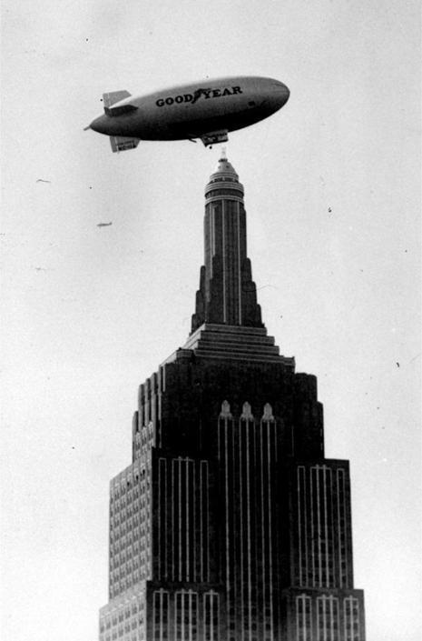Nell'era dei dirigibili, il grattacielo era punto di arrivo e ancoraggio (Ap)