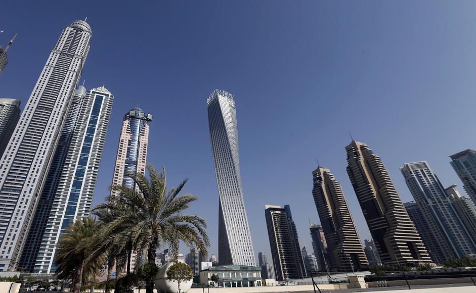 Dubai nuovo record il grattacielo a elica pi alto del - Dubai grattacielo piu alto ...