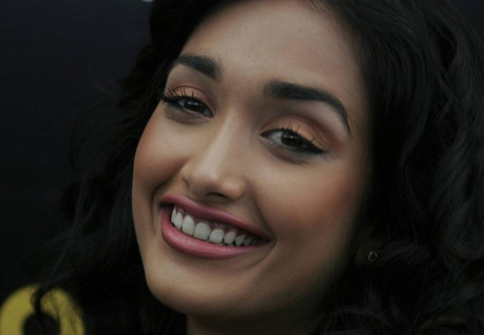 S'impicca giovane attrice di Bollywood