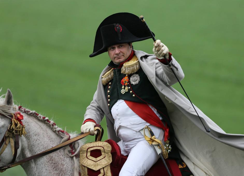 Belgio, migliaia di partecipanti in costumi d'epoca e provenienti da diversi paesi europei si ritrovano a Waterloo per la ricostruzione storica della battaglia che videro opporsi le truppe di Napoleone   a quelli di Wellington e Blucher (Olycom)