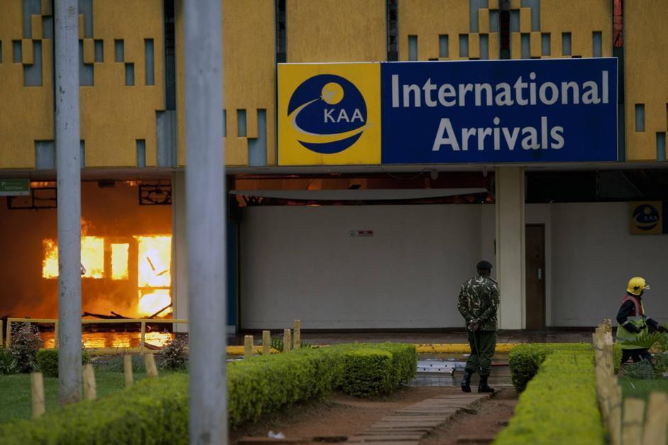 Aeroporto Nairobi : Kenya brucia l aeroporto di nairobi