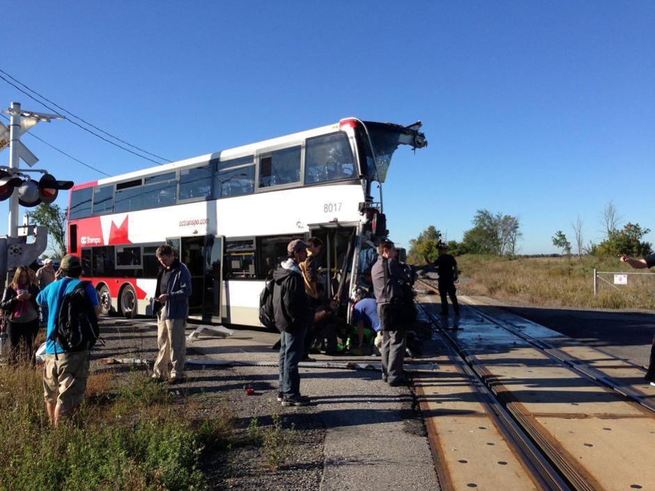 Canada scontro tra treno e pullman vittime for Piani di coperta ad alta elevazione