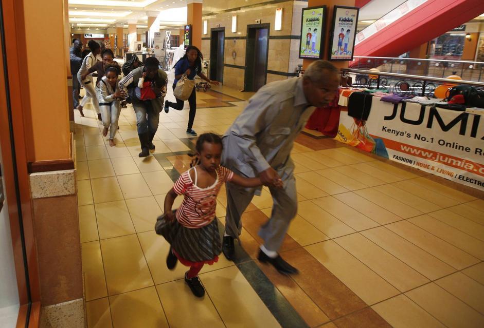 Al momento dell'attacco all'interno del centro commerciale erano presenti centinaia di persone. Si stava svolgendo una giornata dedicata a giochi per bambini (Reuter/Tomasevic)