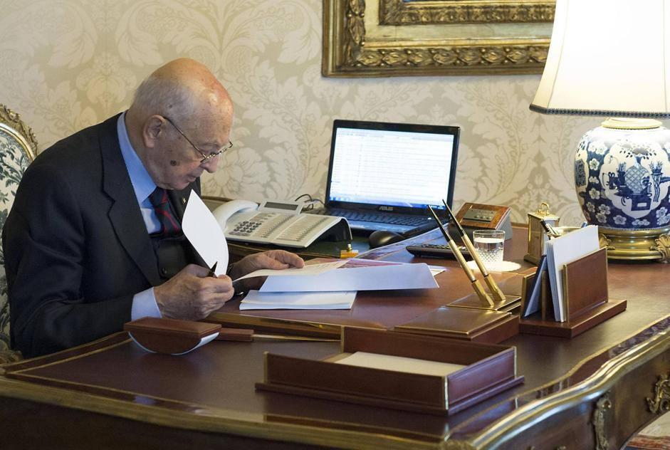 Dopo le dimissioni di Mario Monti, Giorgio Napolitano avvia le consultazioni al Quirinale (Ansa/Giandotti)