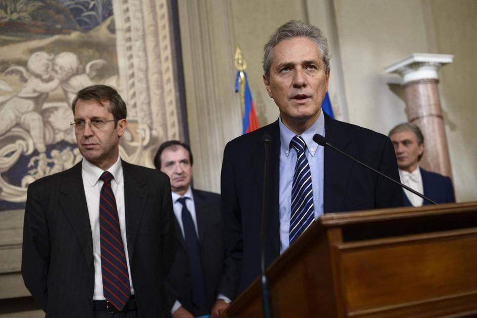 Il presidente del gruppo parlamentare del Terzo Polo al Senato, Francesco Rutelli, e il presidente del gruppo parlamentare del Terzo Polo alla Camera, Benedetto Della Vedova (Ansa/Montani)