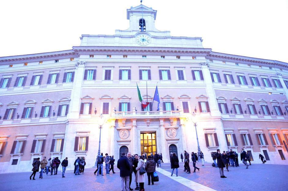 Una veduta di Montecitorio (foto Stefano Cavicchi)