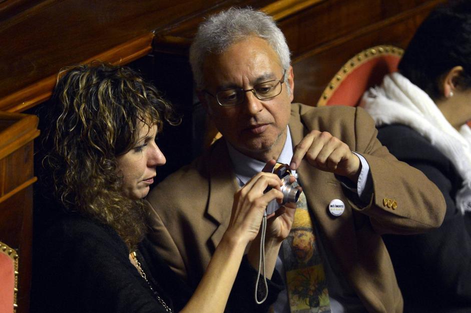 Barbara Lezzi (a sinistra) e Roberto Ciotti (Alberto Lingria/Afp)