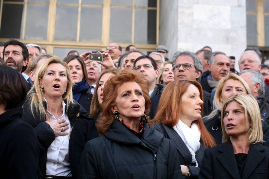 Pdl la marcia dei parlamentari a milano for Parlamentari pdl
