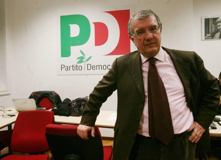 Massimo Mucchetti, ex vicedirettore del Corriere della Sera, presiederà la commissione Industria del Senato (Fotogramma)