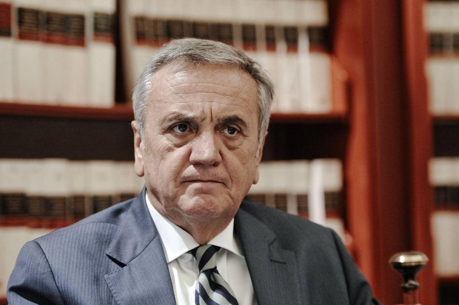L'ex ministro del Lavoro Maurizio Sacconi, del Pdl, presiede l'omonima commissione al Senato (Imagoeconomica/Scudieri)