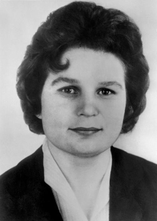 Valentina Tereshkova all'età di 26 anni quando divenne la prima donna nello spazio (Afp/Tass)