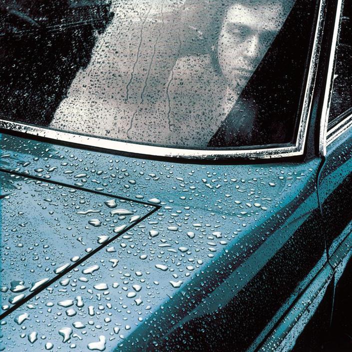 Anche Peter Gabriel gli ha affidato le copertine dei suoi album (nella foto il disco I Internet )