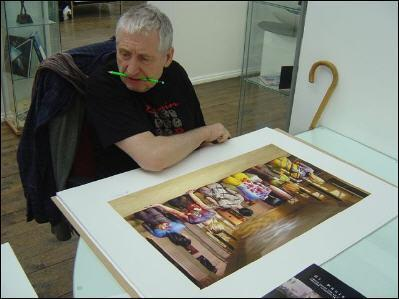 � morto a 79 anni Storm Thorgerson, designer e fotografo inglese. Tra le sue opere pi� famose le copertine degli album dei Pink Floyd e Led Zeppelin (Internet)