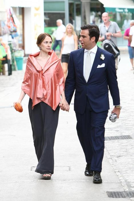 Matrimonio Manuel Romano : Noemi letizia al matrimonio del cognato