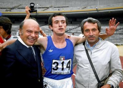 Con l'ex presidente del Coni Primo Nebiolo e il suo allenatore storico Carlo Vittori (Olycom)