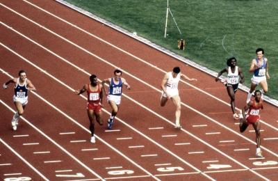 Nei 200 metri Mennea è d'argento alle spalle di Calvin Smith - in fondo a destra c'è Carlo Simionato, che chiuderà settimo (Olycom)