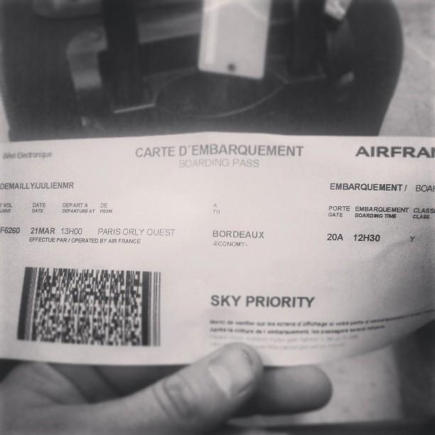 Immancabili i biglietti: d'aereo (da Instagram)