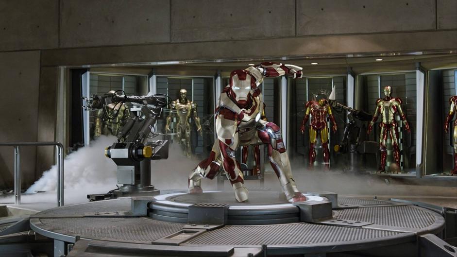 Oggi abbiamo visto una puntata de ?L'uomo da sei milione di dollari? in un museo. � sempre il 2030 e i nostri esoscheletri sono molto, molto pi� avanzati di quelli sognati dagli sceneggiatori degli anni '70 (nell'immagine  Iron Man 3).