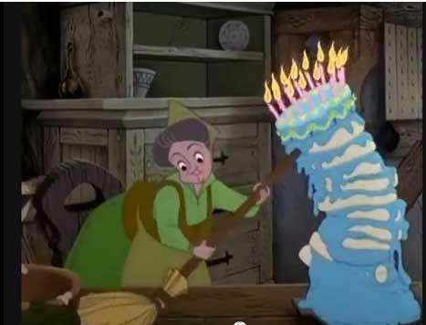 12 - Fare gli auguri di compleanno: a voce o per telefono. Un salutino in bacheca è sufficiente.