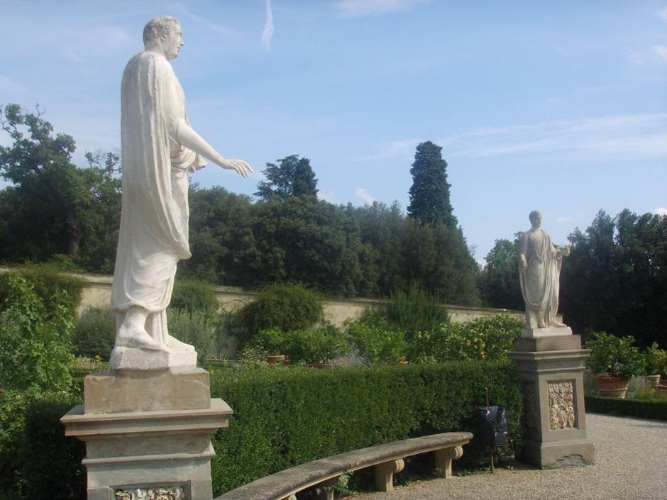 I giardini della Villa Medicea di Castello sono il pi� classico esempio di giardini all'italiana
