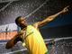 La statua di cera dello sprinter è l'ultima arrivata nel celebre museo delle cere Madame Tussaud's di Londra. Ma tutti vogliono farsi fotografare mimando la celebre posa del fulmine
