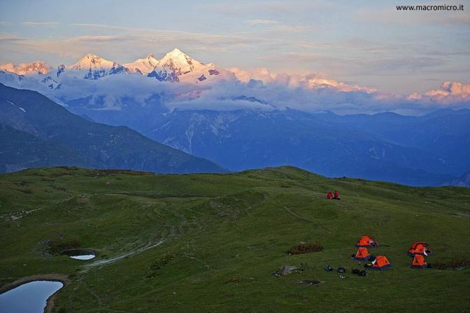 Uno dei campi base della spedizione Sulle Tracce dei ghiacciai?Caucaso 2011 (Fabiano Ventura)
