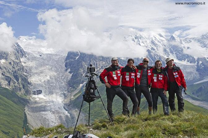 Il team della spedizione Sulle Tracce dei ghiacciai?Caucaso 2011