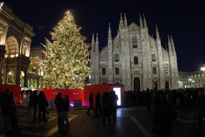 Immagini Di Natale Nel Mondo.Alberi Di Natale Nel Mondo