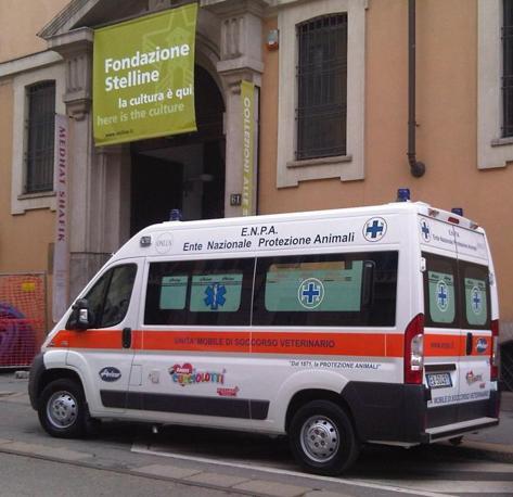 Ecco «Isotta», la prima ambulanza per animali allestita dall'Enpa grazie alle figurine degli «Amici cucciolotti»