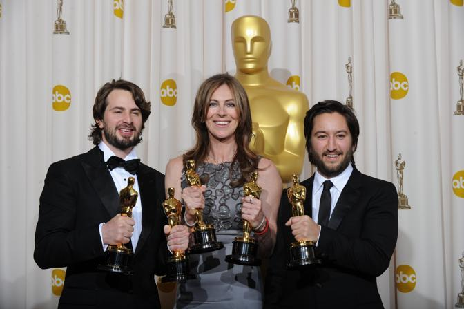 Mark Boal, Kathryn Bigelow e Greg Shapiro raggianti per gli Oscar conquistati da «The Hurt Locker» (Afp)