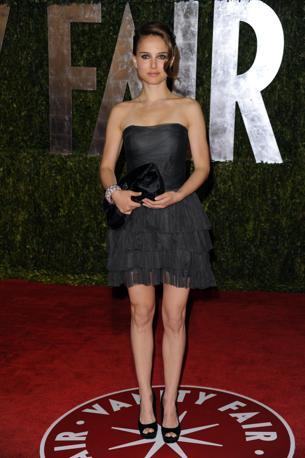 Impaurita: alla premiazione e pure ai party. Ovunque Natalie Portman non aveva l'aria molto allegra (Ap)
