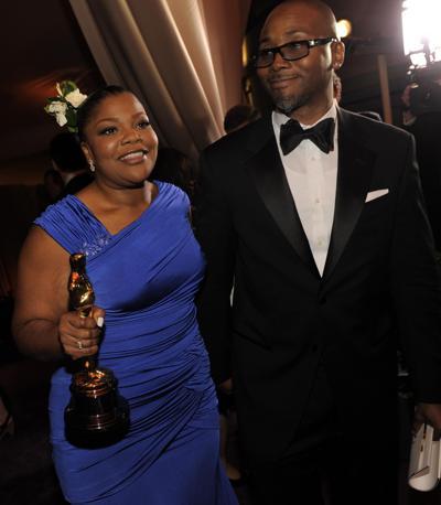 Misure, colori, strascichi: nulla importa se hai l'Oscar in mano. Evviva Mo'nique, miglior attrice non protagonista per «Precious» (Ap)