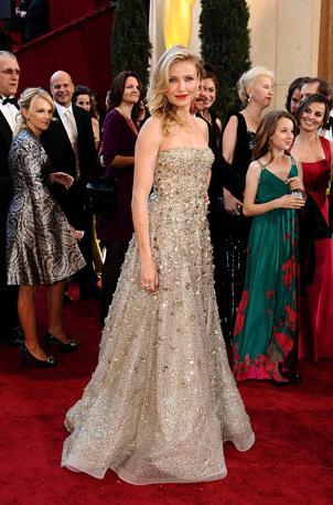 """Cameron Diaz sul red carpet in versione """"abito per la consegna dell'Oscar"""" (Ap)"""