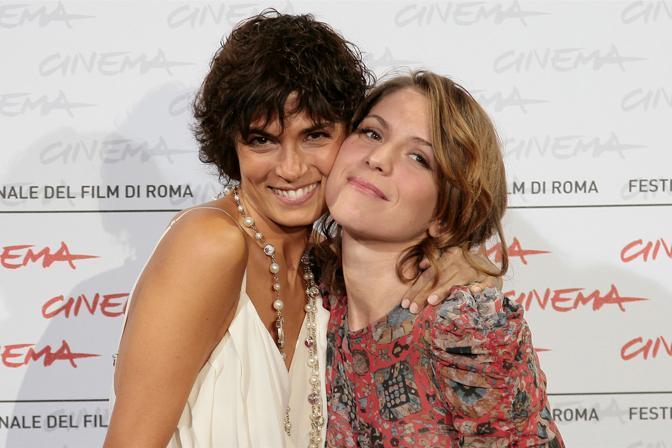 La Ragonese con Valeria Solarino, con cui ha interpretato il film «Viola dei mare»  (La Presse)