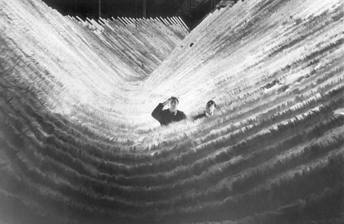 Federico Fellini e Giuseppe Rotunno sul set di SATYRICON (1969) © Cineteca di Bologna/Reporters Associati