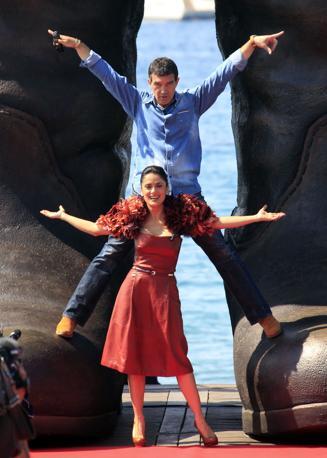 Antonio Banderas e Salma Hayek alla presentazione del cartoon Dreamworks (Reuters)