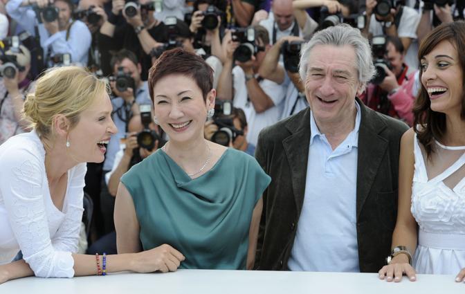 Una Thurman e Robert De Niro tra Martina Gusman e  Nansun Sh (Afp)