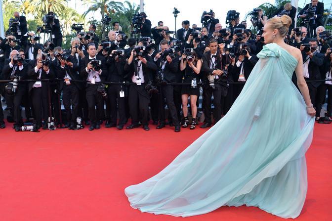 La giurata Diane Kruger ha scelto un abito verde pastello dello stilista Gianbattista Valli (Afp/Pizzoli)