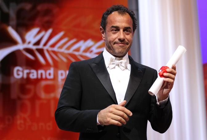 """Matteo Garrone (un po' deluso) riceve il Gran Prix di Cannes per """"Reality"""" (Ap)"""