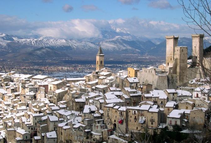 Pacentro (L'Aquila): un presepe d'Abruzzo. Fotografia di Ginetto60 (dal sito rete.comuni-italiani.it)