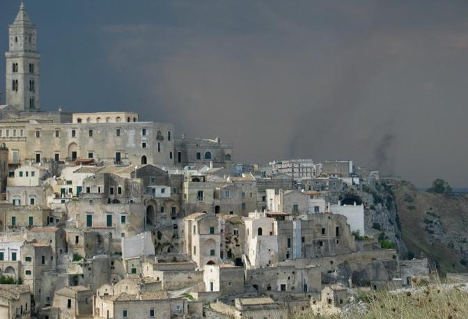 I sassi di Matera. Fotografia di Albasolare (dal sito rete.comuni-italiani.it)