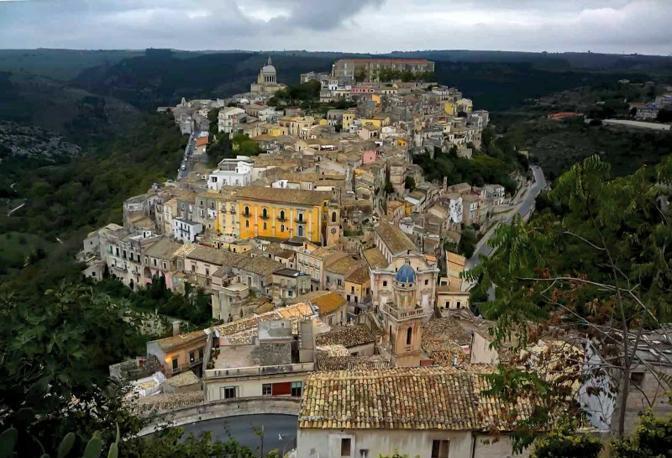 Ragusa. Fotografia di Fiorenzo Pepe (dal sito rete.comuni-italiani.it)