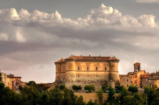 Castello di Alviano (Terni). Fotografia di Maurof (dal sito rete.comuni-italiani.it)