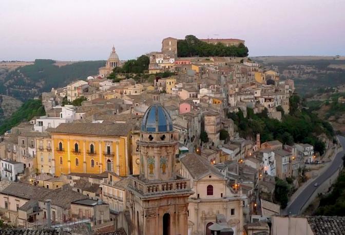 Ragusa Ibla. Fotografia di Fiorenzo Pepe (dal sito rete.comuni-italiani.it)