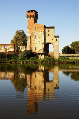 Pisa: la cittadella. Fotografia di Ciccio73 (dal sito rete.comuni-italiani.it)