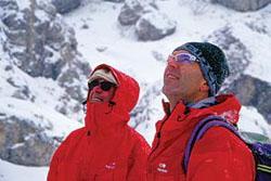 Lacedelli, a sinistra, è tornato sul K2 accompagnato dal nipote