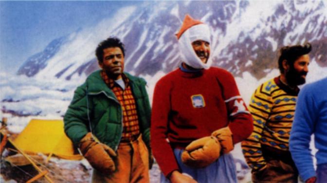 Al campo base dopo la conquesta del K2