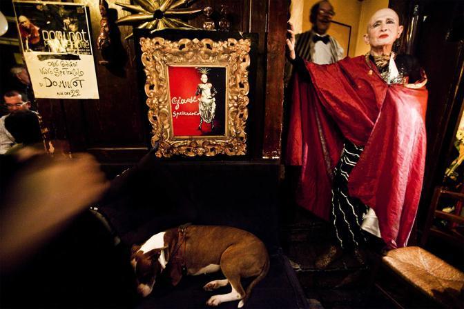 Roma,ore 23.30 - Cinquant?anni dopo la partecipazione al film la dolce vita, Dominot si esibisce nel suo locale - Foto di Alessandra Benedetti