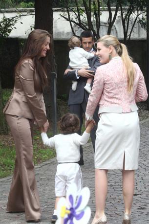 Veronica Lario con la figlia Barbara (Ansa)